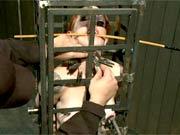 Device bondage videoclip